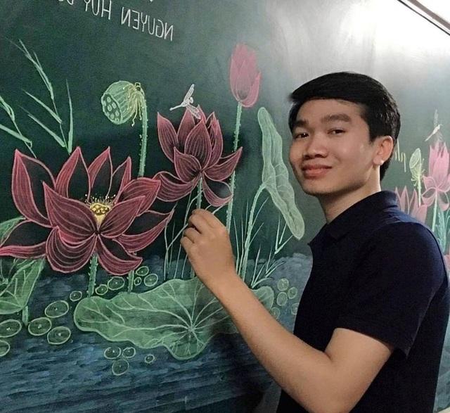 Thầy giáo vẽ hoa phượng lên bảng khiến người xem trầm trồ, ngưỡng mộ - 16