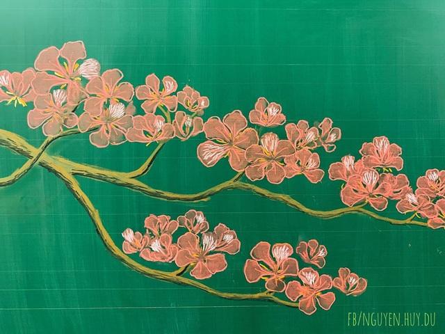 Thầy giáo vẽ hoa phượng lên bảng khiến người xem trầm trồ, ngưỡng mộ - 12