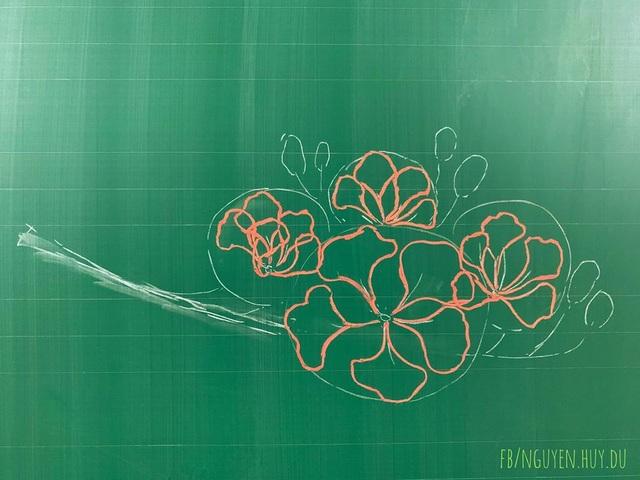Thầy giáo vẽ hoa phượng lên bảng khiến người xem trầm trồ, ngưỡng mộ - 1