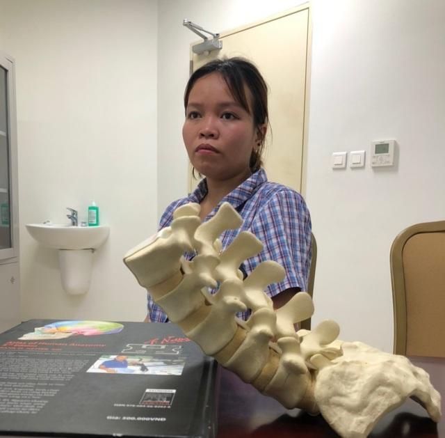 Xót thương cô gái dân tộc Thái suốt 10 năm sống chung với khối u khổng lồ - 4