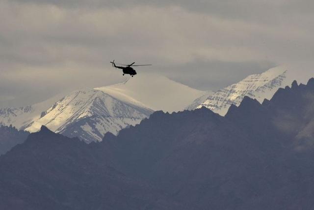 Ấn Độ tăng cường lực lượng chưa từng có ở biên giới với Trung Quốc - 1