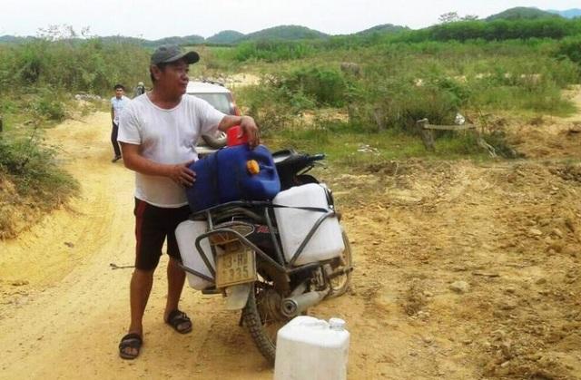 Nắng nóng kéo dài người dân miền núi  lâm vào cảnh khát nước sinh hoạt - 6