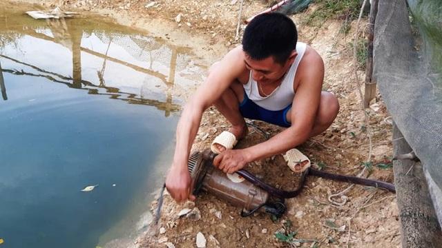 Nắng nóng kéo dài người dân miền núi  lâm vào cảnh khát nước sinh hoạt - 7