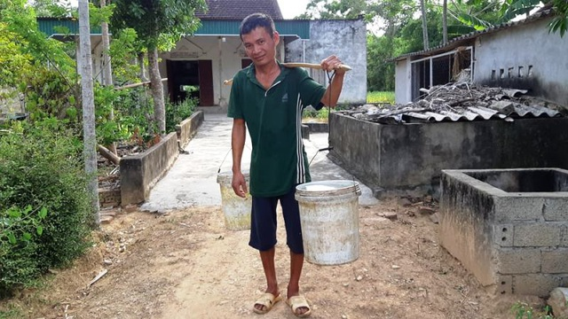 Nắng nóng kéo dài người dân miền núi  lâm vào cảnh khát nước sinh hoạt - 3