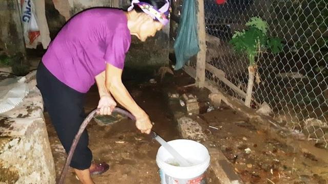 Nắng nóng kéo dài người dân miền núi  lâm vào cảnh khát nước sinh hoạt - 8