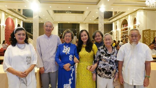 Con trai GS-TS Trần Văn Khê không thể về giỗ cha vì dịch Covid-19 - 3