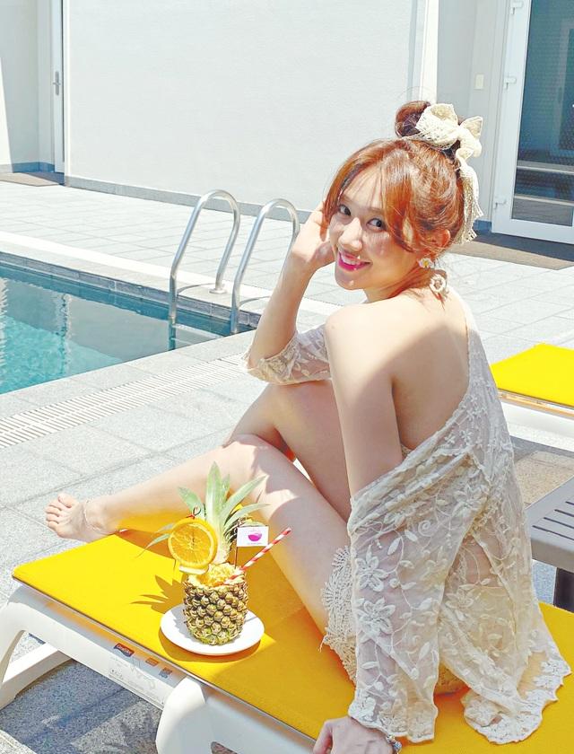 Hari Won diện áo tắm khoe sắc vóc nóng bỏng ở tuổi 35 - 1