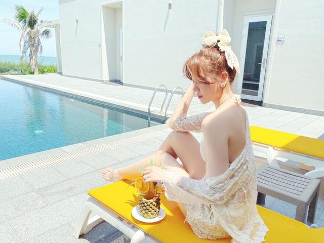 Hari Won diện áo tắm khoe sắc vóc nóng bỏng ở tuổi 35 - 4