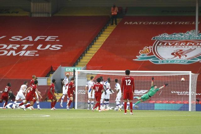 Những khoảnh khắc thăng hoa trở lại của Liverpool - 10