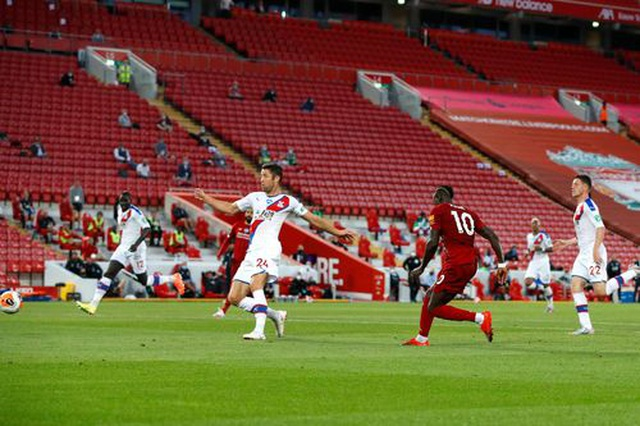 Những khoảnh khắc thăng hoa trở lại của Liverpool - 17