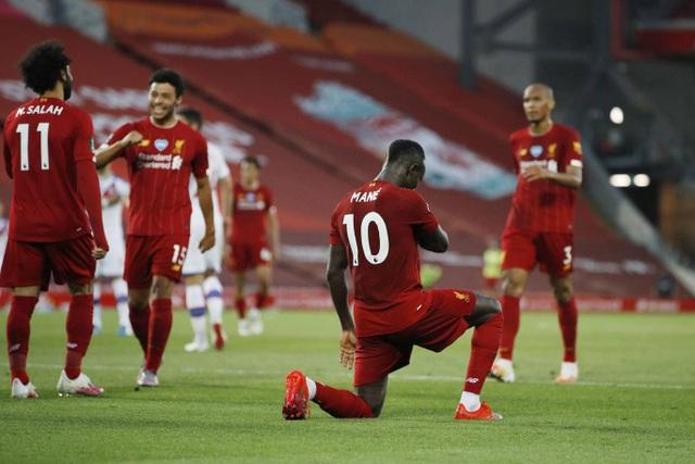 Những khoảnh khắc thăng hoa trở lại của Liverpool - 18