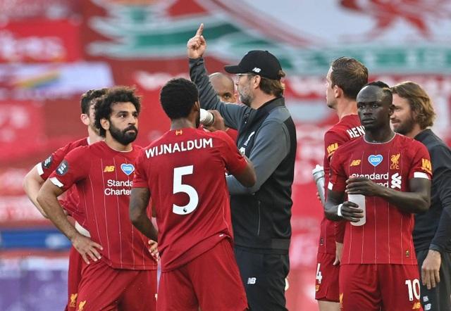 Liverpool 4-0 Crystal Palace: Salah trở lại ấn tượng - 2