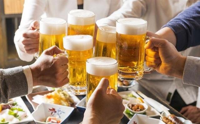 Ngành Y tế cấm uống rượu, bia tại nơi làm việc - 1