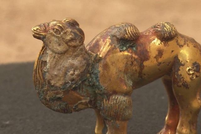 Phát hiện mộ cổ của các quan lại chứa nhiều đồ vàng bạc, ngọc bích quý hiếm - 3
