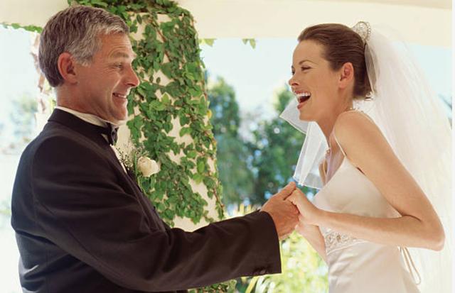 Bố ảnh hưởng thế nào đến cách con gái chọn chồng? - 1