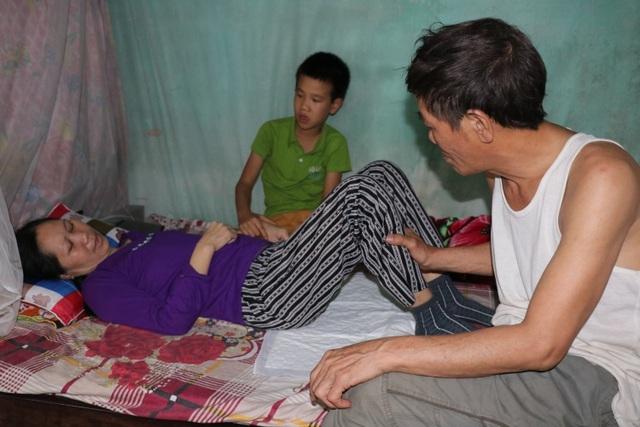 Bạn đọc Dân trí tiếp tục giúp đỡ gia đình kệt quệ vì bệnh tật - 4