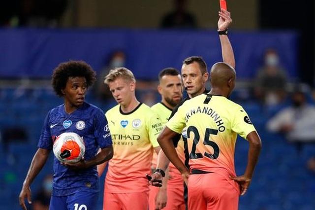 Gục ngã trước Chelsea, Man City dâng ngôi vô địch cho Liverpool - 4