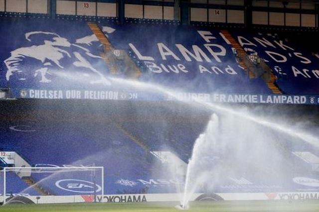 Gục ngã trước Chelsea, Man City dâng ngôi vô địch cho Liverpool - 14