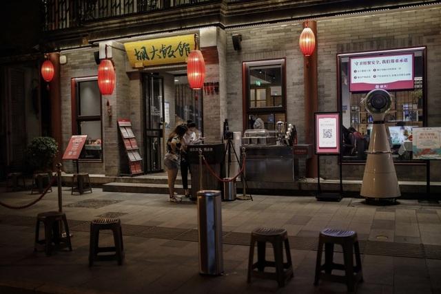 Trung Quốc siết chặt nhập khẩu thực phẩm sau nhiều ca nhiễm Covid-19 mới - 1