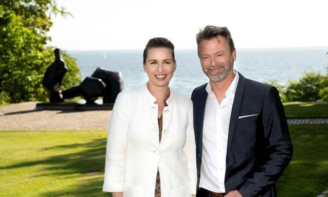 Nữ Thủ tướng Đan Mạch lần thứ 3 hoãn cưới vì bận họp về Covid-19 - 1
