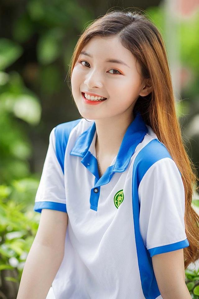 Á khôi Tài sắc Việt Nam đẹp rạng ngời trong bộ đồng phục giản dị - 6