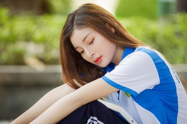 Á khôi Tài sắc Việt Nam đẹp rạng ngời trong bộ đồng phục giản dị - 10
