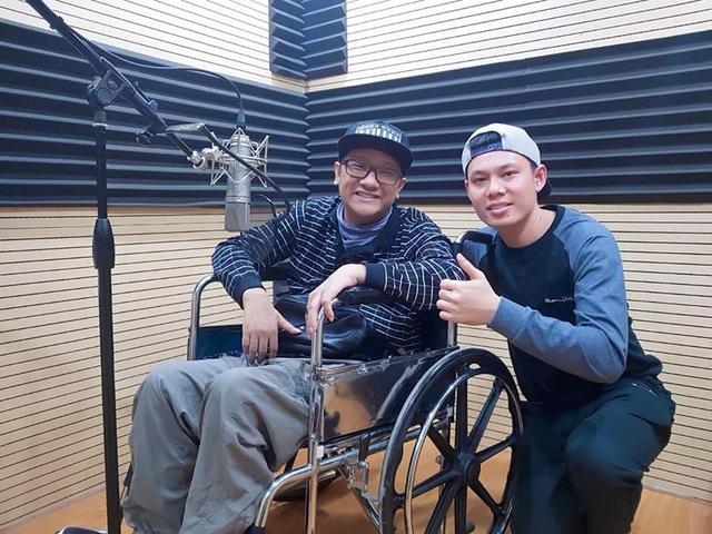 Chàng trai Quảng Ninh kiếm tiền từ 3 công việc chỉ bằng một ngón tay - 3