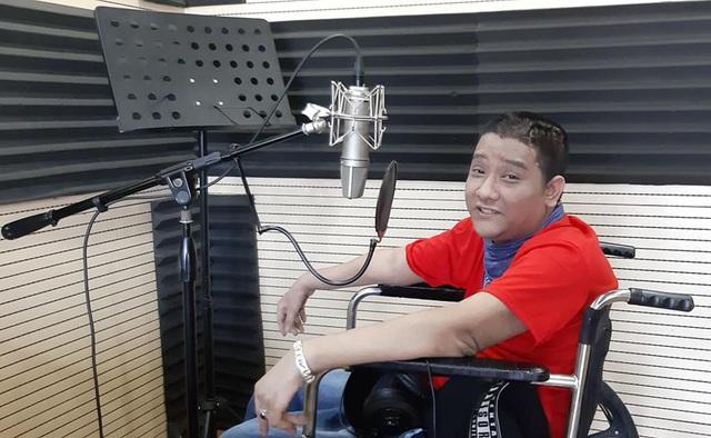 Chàng trai Quảng Ninh kiếm tiền từ 3 công việc chỉ bằng một ngón tay - 4