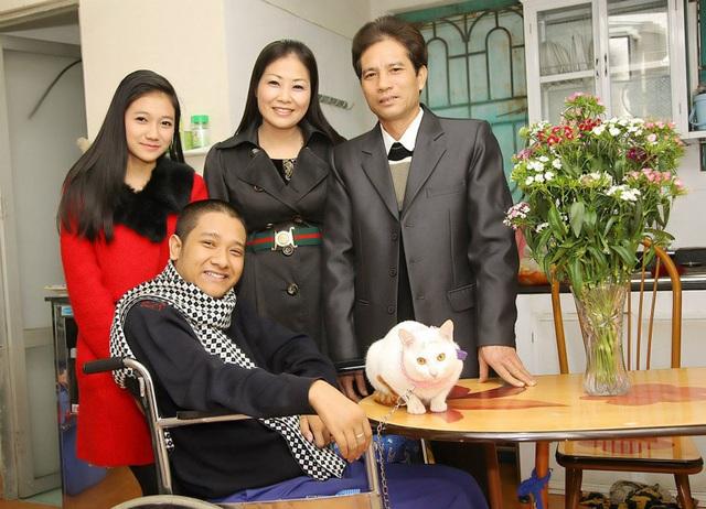 Chàng trai Quảng Ninh kiếm tiền từ 3 công việc chỉ bằng một ngón tay - 5