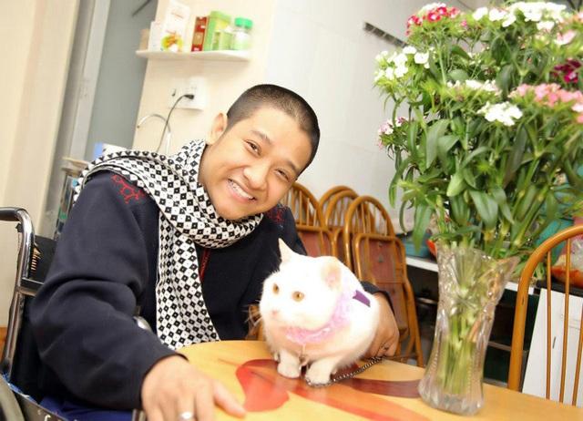 Chàng trai Quảng Ninh kiếm tiền từ 3 công việc chỉ bằng một ngón tay - 6