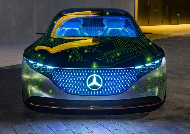 Mercedes-Benz lập tức vui duyên mới sau khi chia tay BMW - 2