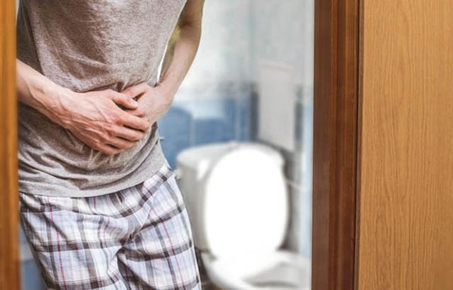 Đi vệ sinh có 3 dấu hiệu này, coi chừng ung thư ruột gõ cửa - 3
