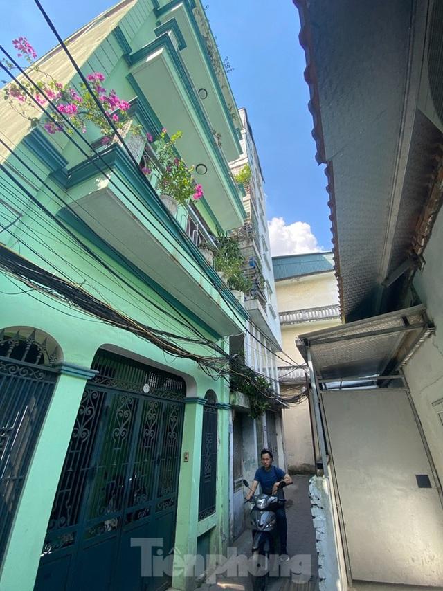 Ngột ngạt các khu chung cư mini ở ngõ nhỏ Hà Nội giữa cái nắng đổ lửa - 11