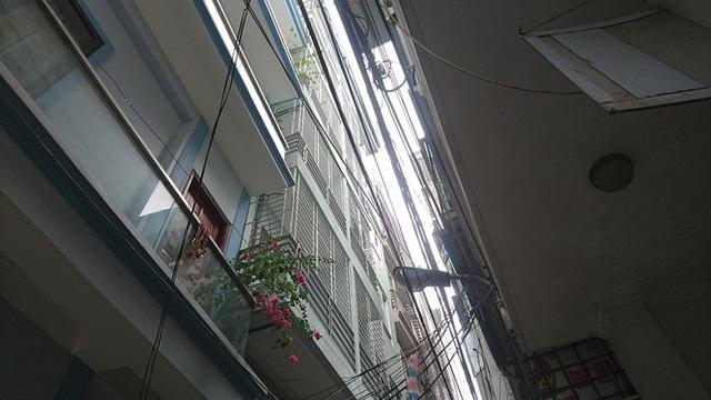 Ngột ngạt các khu chung cư mini ở ngõ nhỏ Hà Nội giữa cái nắng đổ lửa - 15