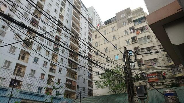 Ngột ngạt các khu chung cư mini ở ngõ nhỏ Hà Nội giữa cái nắng đổ lửa - 16