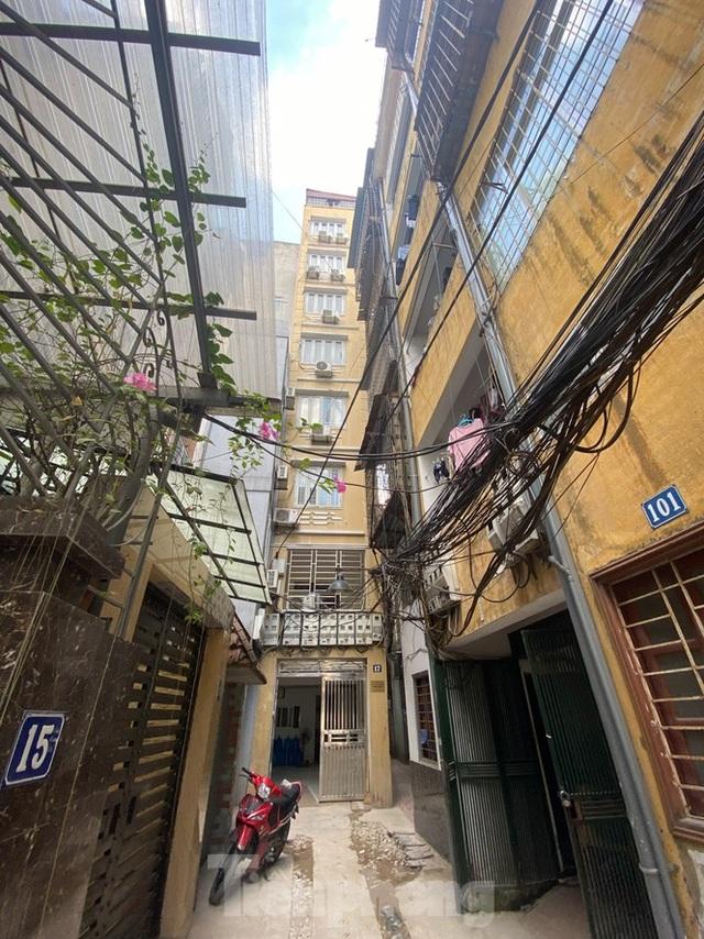Ngột ngạt các khu chung cư mini ở ngõ nhỏ Hà Nội giữa cái nắng đổ lửa - 2