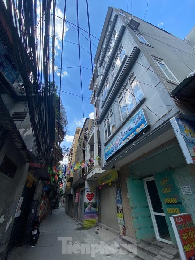 Ngột ngạt các khu chung cư mini ở ngõ nhỏ Hà Nội giữa cái nắng đổ lửa - 5