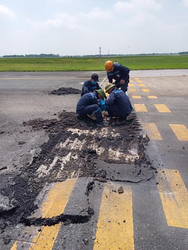 Đường băng sân bay Nội Bài, Tân Sơn Nhất liên tục nứt, vỡ - 1