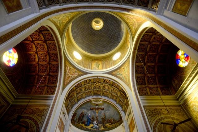 Nhà thờ cổ.jpg