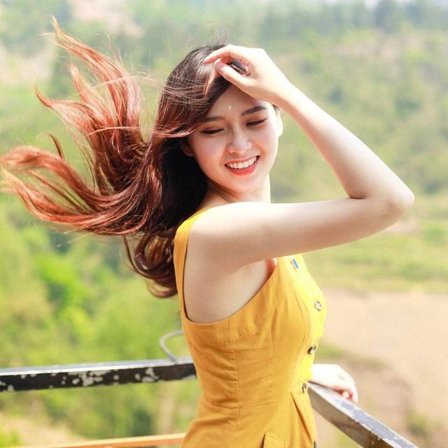 Nữ sinh trường Y đăng ảnh du lịch xinh như công chúa, hút nghìn like - 2