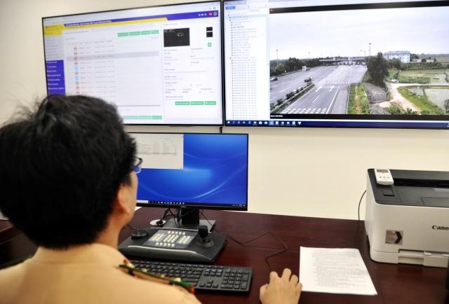 """110 """"mắt thần"""" giám sát giao thông trên cao tốc Nội Bài - Lào Cai - 3"""
