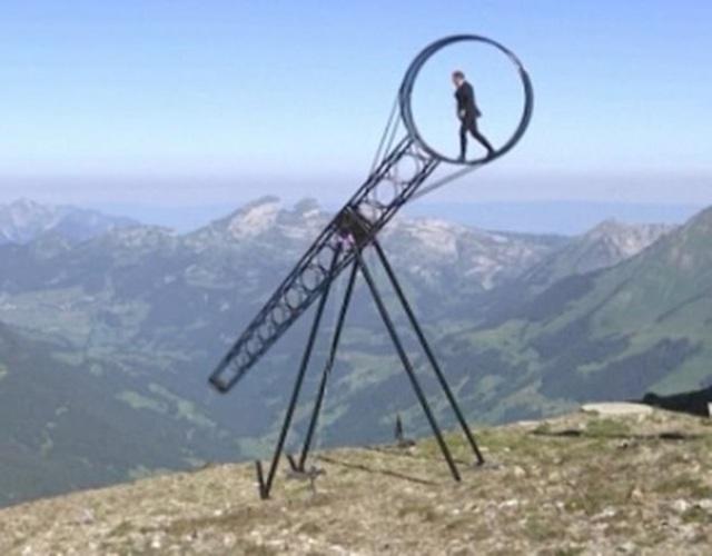 """Video: Màn trình diễn """"thách thức tử thần"""" trên đỉnh núi - 2"""