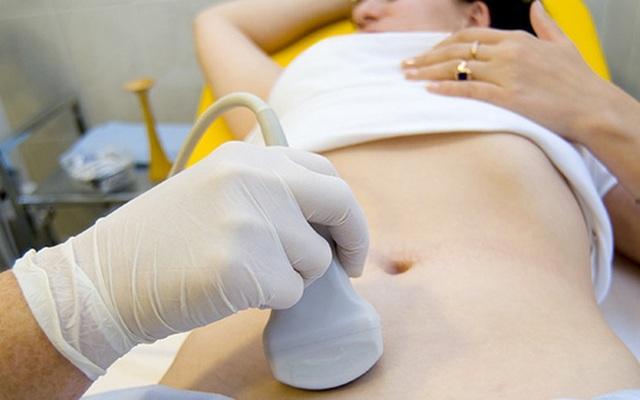 4 dấu hiệu không ngờ cảnh báo bệnh ung thư dễ chết nhất ở phụ nữ - 1