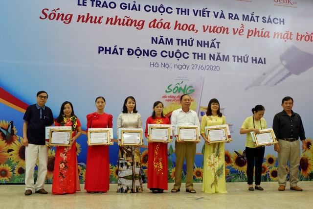 Bài thơ nghìn like đạt giải nhất cuộc thi viết về bệnh nhân ung thư - 10