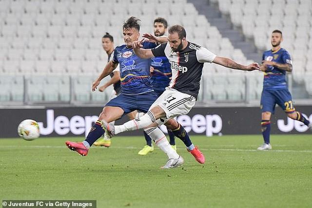 C.Ronaldo rực sáng, Juventus đại thắng 4-0 - 2