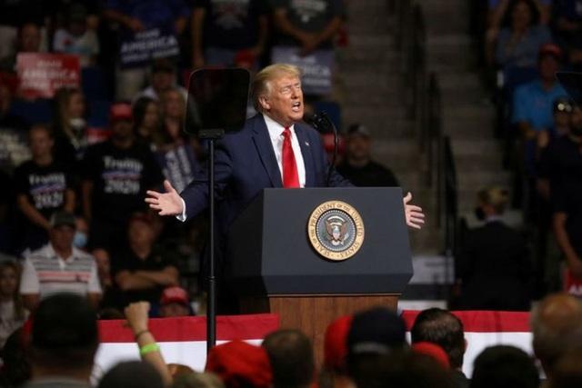 Nhà Trắng hối hả gia tăng bảo vệ ông Trump trước nguy cơ Covid-19 - 1