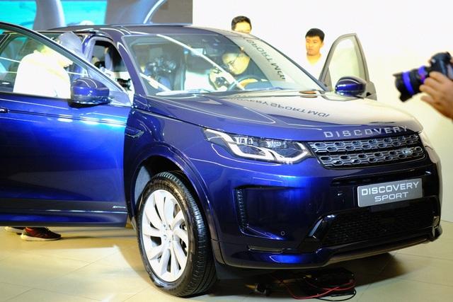 Jaguar XE 2020 và Land Rover Discovery Sport 2020 chốt giá từ 2,61 tỷ đồng - 7