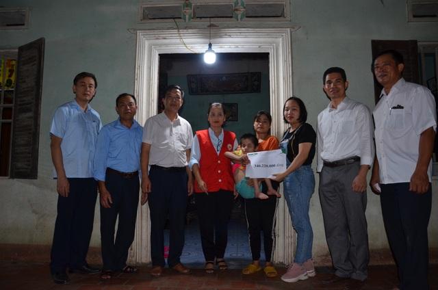 Hơn 2 tỉ đồng của bạn đọc giúp đỡ 2 hoàn cảnh khó khăn tại Bắc Giang - 4