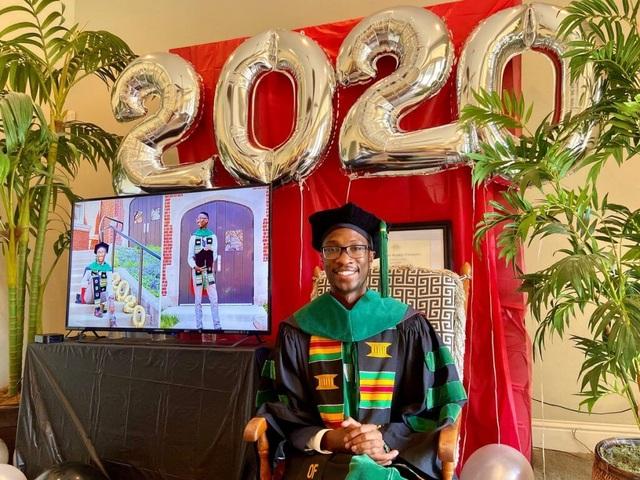 Mỹ: Vì Covid-19, nhà trường, gia đình xoay xở để tổ chức lễ tốt nghiệp - 1
