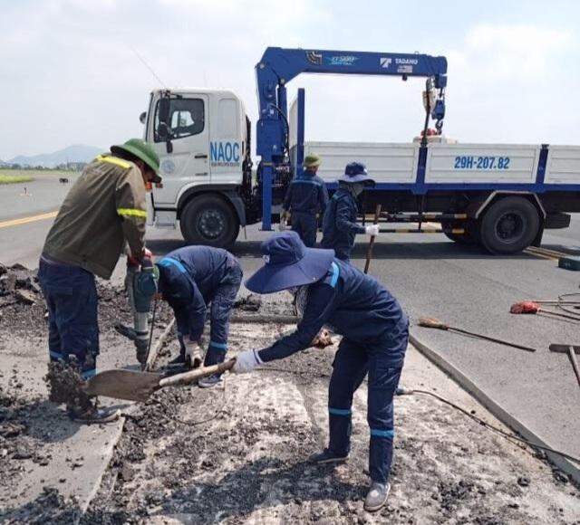 Đường băng sân bay Nội Bài, Tân Sơn Nhất liên tục nứt, vỡ - 2
